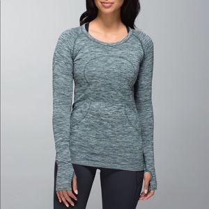 Lululemon long sleeve grey